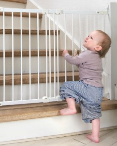 Niño escalera