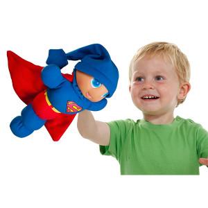 gusy-luz-dos-caras-superman-con-libro