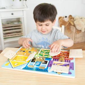 tabuleiro-com-trincos-para-aprender-cores-e-numeros
