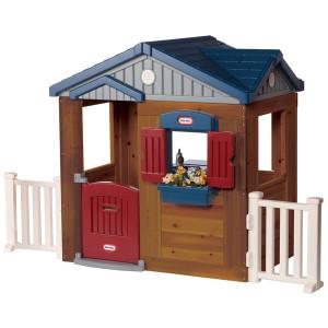 casita-en-madera-y-plastico